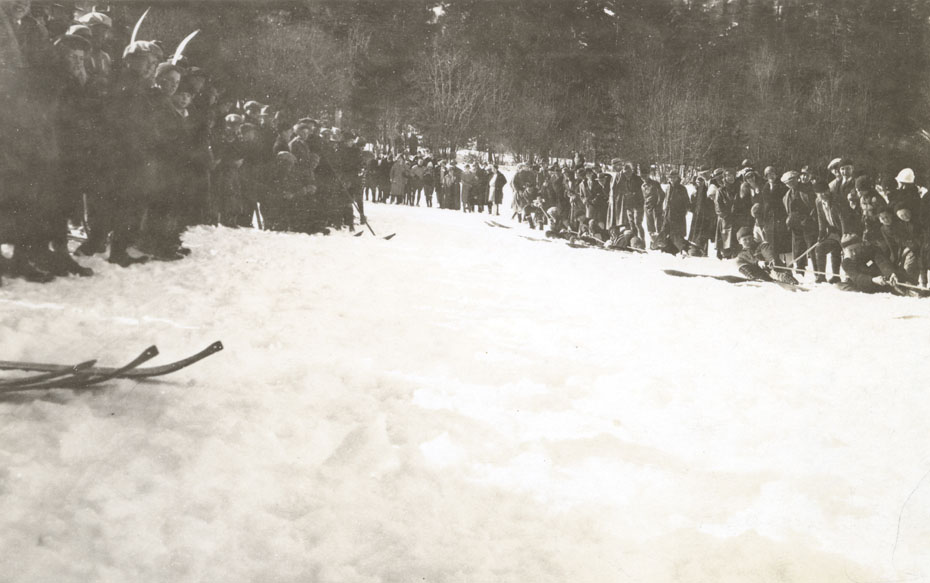 Fun on Skis, 1928