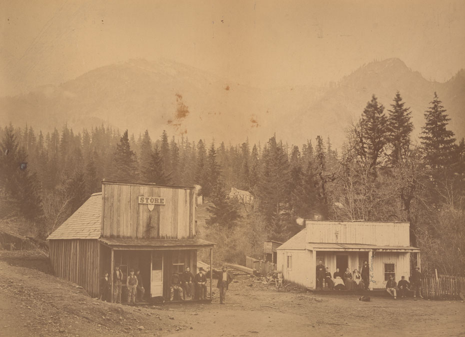 Cascade Locks Store
