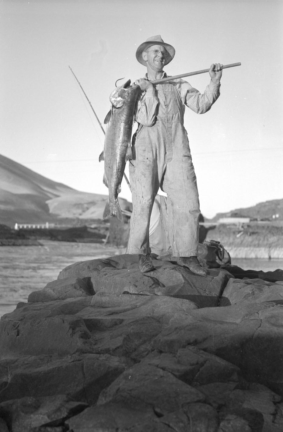 Fishing At Celilo