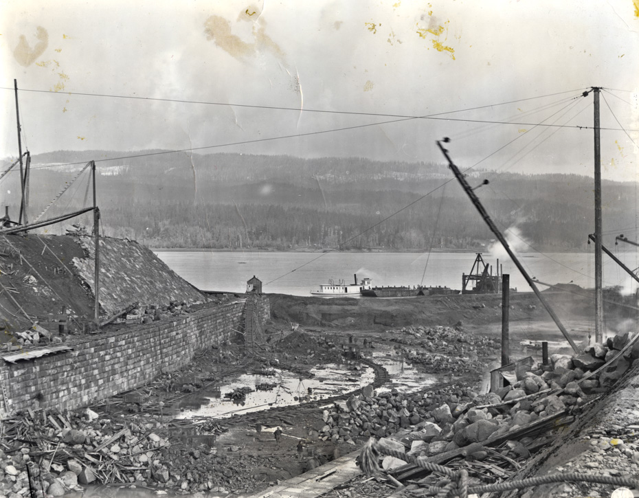 Cascade Locks Construction