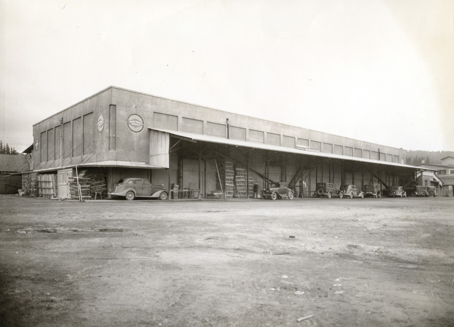 Packing House, 1932