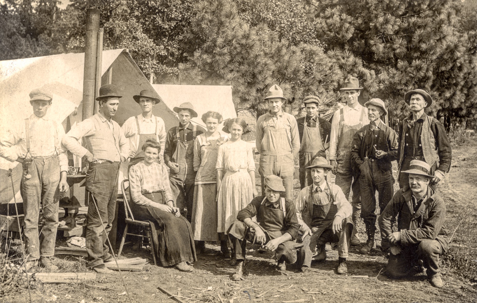 Crew at the Maxwelton Orchard Company